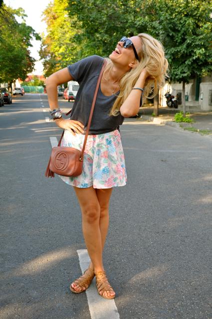 oh, yeah! u make me smile while striking a pose :>