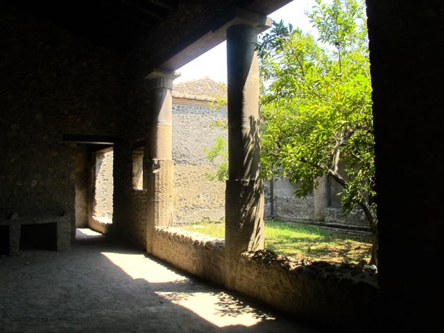 ozinparis-pompeii-11