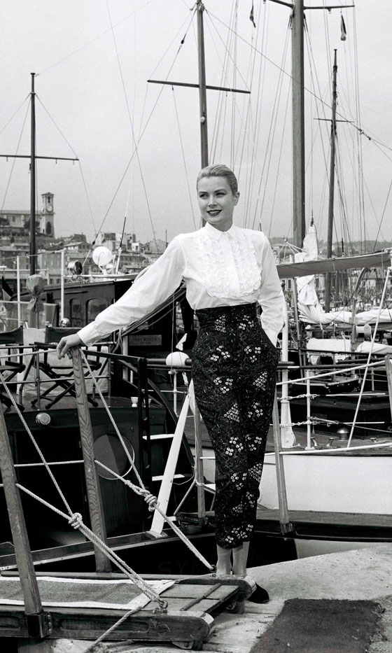 Grace Kelly was among the first movie stars to wear Capri pants on Capri.