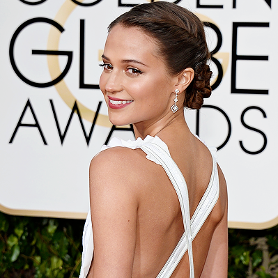 OZ-alicia-vikander-golden-globes